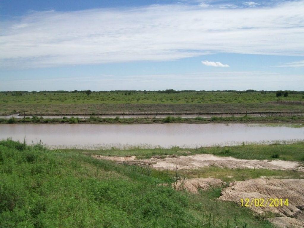 Reservorio de acumulación y laminación de excedentes hídricos superficiales
